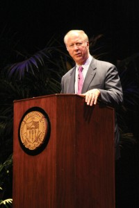 news-david-gergen-by-Carlo-Acenas-200x300